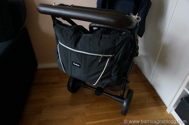 hänga väska på barnvagn